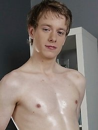 Monster Cocks: Hot Horny Top Gives Blond Twink A Real Hard Bone To Fuck Around With!